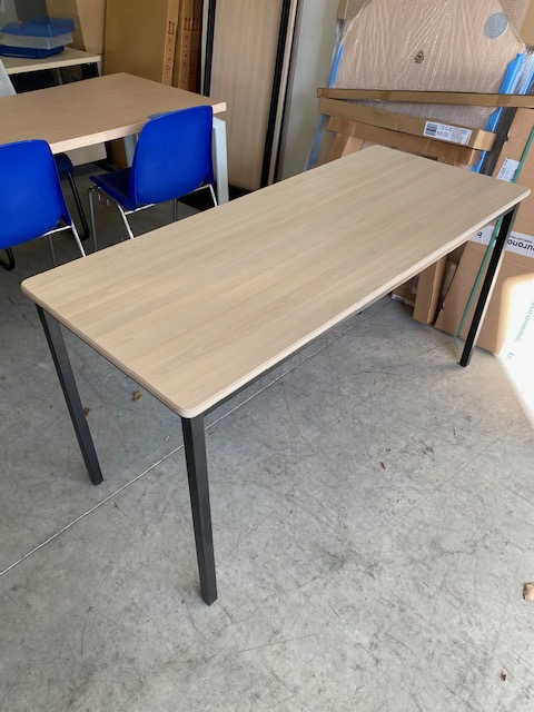 Table polyvatente 140 c 60