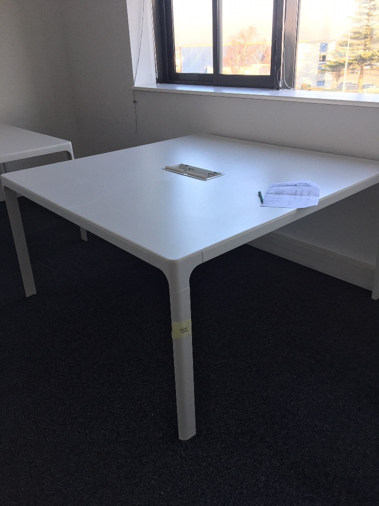 Table/bureau blanc