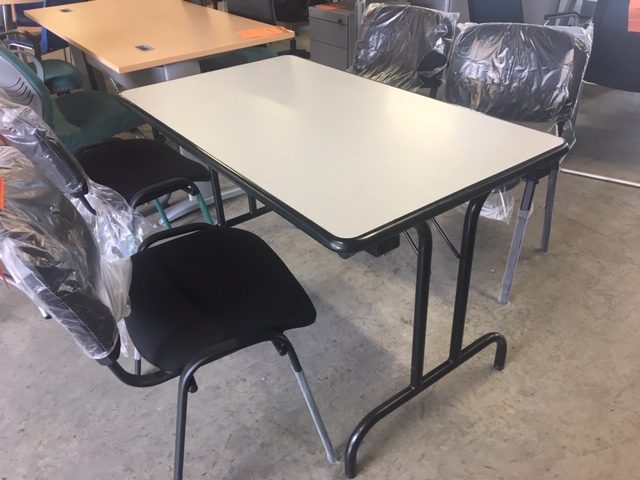 Table pliante gris 120 70